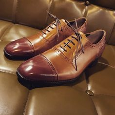 普段履かれている革靴・ビジネスシューズのサイズをおすすめします。 幅狭・甲薄い方は普段のサイズを。 幅広・甲高の方は0.5cmUPをおすすめします。 革靴ならラストミー 韓国ファッショントレンド  jp.lastmy.com #手作り靴 #ヌバック #足元 #高級靴  #ラストミー #シューズ #スタイル #靴好き #靴屋 #黒 #韓国ファッション #紳士靴 #making #new #man #fashion #boots #oxford #trendi #友達 #おはよう #お疲れ様 #電車