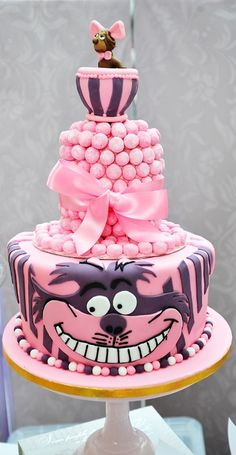 Alice in Wonderland Cake - For all your cake decorating supplies, please visit craftcompany.co.uk