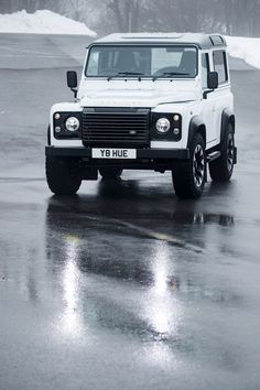 How Land Rover Classic Created the Ultimate Defender Defender 90, Land Rover Defender, Land Rover Car, Land Rovers, Wagon Cars, Suv Trucks, Fj Cruiser, Automotive Design, Toys For Boys