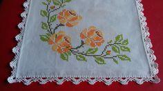 Simple Cross Stitch, Crochet Borders, Thread Crochet, Cross Stitch Embroidery, Diy And Crafts, Floral, Linnet, Easy Cross Stitch, Mini Cross Stitch