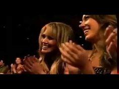 ryan gosling and rachel mcadams winning mtv best kiss award - SO CUTE