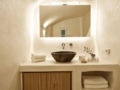 Oikos Architecture - Building Wonders since 1970 in Santorini Stone Bathroom Sink, Stone Sink, Colorful Interior Design, Bathroom Interior Design, Modern Architecture House, Mediterranean Architecture, Mediterranean Bathroom, Design Exterior, Architect House