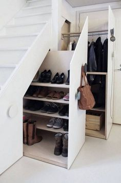 Genius Under Stairs Storage Ideas For Minimalist Home 03 Garage Shoe Storage, Coat And Shoe Storage, Entryway Shoe Storage, Understairs Shoe Storage, Entryway Ideas, Closet Storage, Understairs Ideas, Hallway Shoe Storage, Closet Shelving