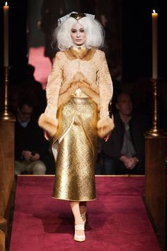 See the entire collection from the Thom Browne Fall 2014 Ready-to-Wear runway show. Tokyo Fashion, Runway Fashion, Fashion Show, High Fashion, Women's Fashion, Golden Girls, Thom Browne, Passion For Fashion, Ready To Wear