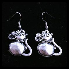 Buy 2 Get 3 FREE! Queen mouse earrings Handmade silver queen mouse earrings. crystalirisdesign Jewelry Earrings
