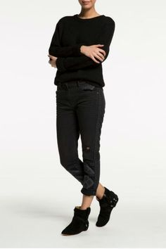 Slightly stretchy, slim boyfriend jeans in black. Grey contrasting boho embroidery for a very cool look. Embroidered Slim Boyfriend Jeans by Maison Scotch. Clothing - Bottoms - Jeans & Denim - Black Jeans Clothing - Bottoms - Jeans & Denim - Slim Clothing - Bottoms Canada