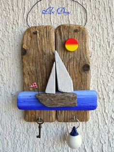 Art Drops driftwood key holder for beach hut , shed outdoor room Sea Crafts, Nature Crafts, Diy And Crafts, Arts And Crafts, Driftwood Projects, Driftwood Art, Creation Deco, Stone Crafts, Wood Creations