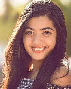 Industry Experts Give You The Best Beauty Tips Ever – Lazy Days Beauty Beautiful Girl Photo, Beautiful Girl Indian, Most Beautiful Indian Actress, Most Beautiful Faces, Beautiful Bride, Stylish Girl Images, Stylish Girl Pic, Cute Beauty, Beauty Full Girl