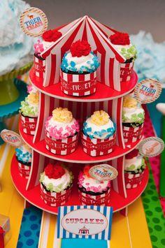 Circus cupcakes   mysweetindulgence.com  kristinspencer.com
