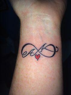 TATTOOS INCREÍBLES Tenemos los mejores tattoos y #tatuajes en nuestra página web www.tatuajes.tattoo entra a ver estas ideas de #tattoo y todas las fotos que tenemos en la web.  Tatuaje del Infinito #tatuajeInfinito