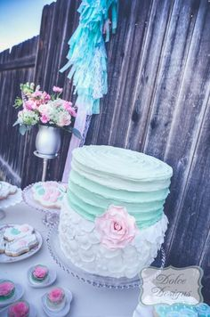Love this cake (Colors and Design)