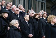 Türkiye'yi temsilen Berlin'deki cenaze törenine katılan Gençlik ve Spor Bakanı Akif Çağatay Kılıç, Cumhurbaşkanı Recep Tayyip Erdoğan ve Başbakan Ahmet Davutoğlu'nun taziyelerini Almanya Cumhurbaşkanı Gauck ve Başbakan Merkel'e iletti.