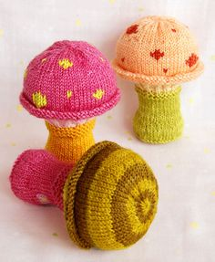 Knitted Toadstool Baby Rattle!  A really love gift for a baby or toddler.  Free pattern at Purl Bee.
