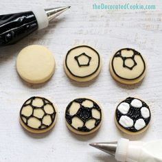 SOCCER BALL COOKIES -- mini decorated cookies for a soccer player or sports-themed party. Also, how to draw a soccer ball. Soccer Birthday Parties, Soccer Party, Sports Party, Soccer Ball, Galletas Cookies, Sugar Cookies, Soccer Cookies, Soccer Treats, Soccer Baby Showers