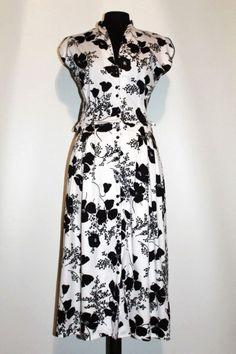 Rochie alb cu negru anii '70 http://www.vintagewardrobe.ro/cumpara/rochie-alb-cu-negru-anii-70-7495437 #vintage #vintagewardrobe #vintageautentic #vintagedresses #1970s