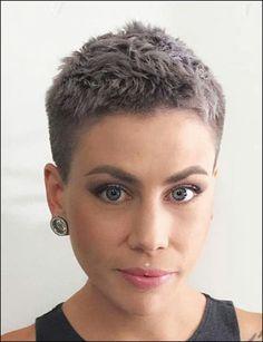 15 Very Short Haircuts for 2019 - Really Cute Short Hair for Women Edgy Short Hair, Super Short Hair, Short Blonde, Short Hair Cuts For Women, Blonde Hair, Very Short Haircuts, Cute Hairstyles For Short Hair, Curly Hair Styles, Bob Haircuts