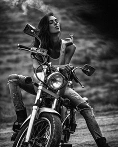 Super motorcycle harley biker chick fun Ideas Super motorcycle harley biker chick fun IdeasYou can find Biker chick and more on our website. Moto Vespa, Gp Moto, Motos Vintage, Vintage Motorcycles, Honda Motorcycles, Custom Motorcycles, Harley Davidson, Lady Biker, Biker Girl