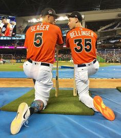The future of the Dodgers is looking good Baseball Boys, Dodgers Baseball, Better Baseball, Baseball Pants, Baseball Players, Let's Go Dodgers, Dodgers Girl, Cody Bellinger, Gyms Near Me