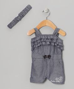 Playtime will be comfier and twice as lively when this super-stylish romper is on the scene. It boasts three tiers of playful ruffles, a bow accent and convenient snaps for the ultimate combination of fun and function.