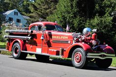 Old Trucks, Fire Trucks, Bonnie And Clyde Car, Fire Equipment, Fire Apparatus, Emergency Vehicles, Fire Engine, Police Cars, Ambulance
