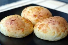 Paleo - Pan de yuca or cheese bread - uses tapioca flour - Should be able to freeze these prior to baking according to another recipe. Gourmet Recipes, Bread Recipes, Cooking Recipes, Healthy Recipes, Yucca, Colombian Food, Pan Bread, Cheese Bread, Latin Food