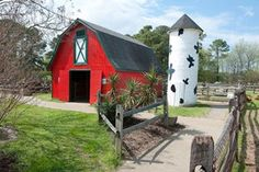 Bluebird Gap Farm, Hampton, VA. One of the places on our list of $10 or LESS: Virginia's Fun for Kids! #family #kids #travel