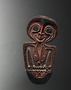 Crochet anthropomorphe, Mélanésie, Kerewa, Papouasie-Nouvelle-Guinée, Golfe de Papouasie | Arts de Nouvelle-Guinée - Les Musées Barbier-Mueller