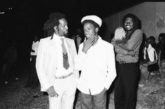 GREGORY ISAACS chilling with RUFFY from Ruffy & Tuffy, Montego Bay, '84 © Lindsay Oliver Donald