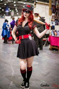 Calvin's Canadian Cave of Coolness: Bombshells Batwoman Dc Batgirl, Batgirl Cosplay, Dc Cosplay, Harley Quinn Cosplay, Batwoman, Cosplay Girls, Cosplay Costumes, Superhero Cosplay, Cosplay Ideas
