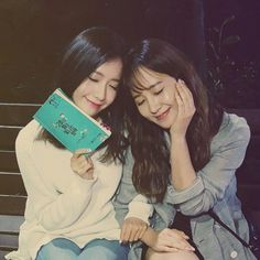SNSD YoonA visited Yuri at the set of 'Gogh's Starry Night' ~ Wonderful Generation