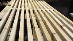 How to: Make a DIY George Nelson-Inspired Outdoor Slat Bench Diy Outdoor Table, Outdoor Chairs, Diy Wood Bench, Diy Home Decor Bedroom, Diy Headboards, George Nelson, Bench Furniture, Wood Slats, Diy Wood Projects