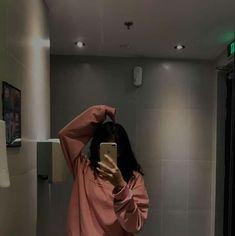 Mode Ulzzang, Ulzzang Korean Girl, Cute Korean Girl, Asian Girl, Girl Photo Poses, Girl Photography Poses, Girl Pictures, Girl Photos, Shotting Photo