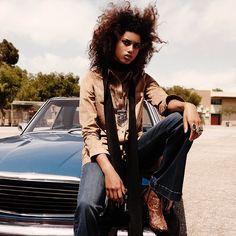 Suki Waterhouse Pose on H&M fall 2015 editorial Photoshoot