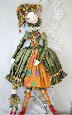 Коллекционные куклы ручной работы. Авторская кукла На карнавал. Татьяна Пущина. Ярмарка Мастеров. Коломбина, бусины деревянные Clay Dolls, Bjd Dolls, Doll Toys, Doll Costume, Costumes, Send In The Clowns, Happy Pictures, Textiles, Barbie