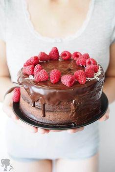 Čokoládová torta s malinami Cheesecake, Food And Drink, Chocolate, Parenting, Cakes, Kids, Per Diem, Children, Cheese Cakes