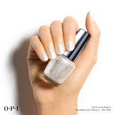 Just like this lustrous silver, they add a touch of class to practically everything. HR H45 / Breakfast at Tiffany's opi
