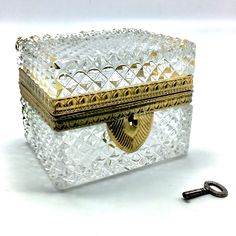 GORGEOUS Baccarat ? French Crystal Casket Hinged Box >Working Brass Lock > Diamond Cut Antique Trinket Box < working lock & key