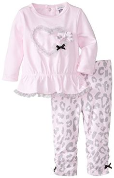 Cute Little Girls Outfits, Cute Girl Dresses, Toddler Girl Outfits, Boy Outfits, Petit Lem, Baby Girl Shirts, Girl Sleeves, Cute Pajamas, Baby Kids Clothes