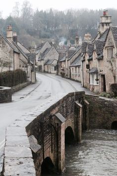 Castle Combe, in the southernmost reaches of the Cotswolds, is England's most beautiful village. Oh The Places You'll Go, Places To Travel, Places To Visit, Castle Combe, England, English Village, Roadtrip, English Countryside, Travel Photography