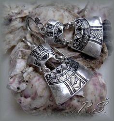 Ručně vyrobeno ... rytina vyplněna Naha, Horn, Napkin Rings, Bracelets, Silver, Jewelry, Bangles, Horns, Jewlery