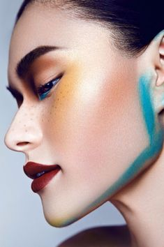 Editorial make up