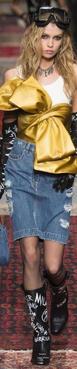 Esse é só para quem curte o imaginariodamulher :p   Quer completar seu look? Veja essa seleção de Calças Jeans  http://ift.tt/2aNNTVt