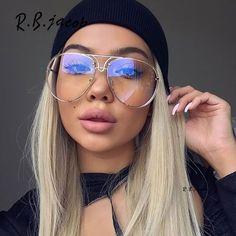 Famosas de Óculos de Grau - Manual com tendências, dicas de estilo e o  modelo ideal para cada tipo de rosto 81de3c9238