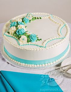 Round Cake Design Ideas : Wedding cake on Pinterest Las Vegas Weddings, Cake ...