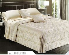 Bedroom Bed, Bedroom Decor, Loft Room, Quilted Bedspreads, Blue Rooms, Bed Covers, Bed Spreads, Luxury Bedding, Bed Sheets
