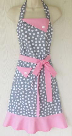 Retro Apron for Women with Gray and White Polka Dots, Gray and Pink Vintage Style Women's Apron, KitschNStyleAprons - Retro Apron, Aprons Vintage, Clothing Patterns, Sewing Patterns, Jean Apron, Sewing Crafts, Sewing Projects, Black Apron, Cute Aprons