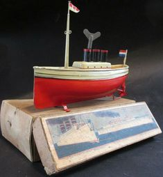 Carette 1913 Imperator boat liner original box key mast flag works bing Germany Paint Keys, Cracked Paint, Motor Works, Speed Boats, Tin Toys, Classic Toys, Battleship, Rare Antique, Pond