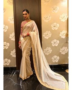 2ec4692e5f 277 Best Celebrity in Saree images in 2019 | Indian sarees, Indian ...