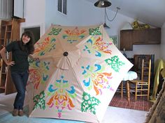 WOW!  Freezer paper stenciled patio umbrella!  By pinkpoodle230 on craftster
