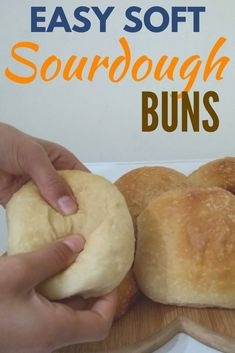 These sourdough soft rolls were so super soft and easy to make. They require no yeast and can be made on the same day. Sourdough Hamburger Buns Recipe, Soft Sourdough Bread, Sourdough Dinner Rolls, Sourdough Starter Discard Recipe, Sourdough Recipes, Bread Recipes, Skillet Recipes, Croissants, Soft Rolls Recipe